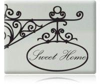 """Adesivo decorativo de parede, com o desenho de antigas placas decoradas em ferro com a expressão: """" Sweet Home"""" a qual podemos traduzir com o famoso """" Lar Doce Lar"""". Lindo para colocar ao lado da porta de entrada, no hall de entrada ou onde quiser decorar"""