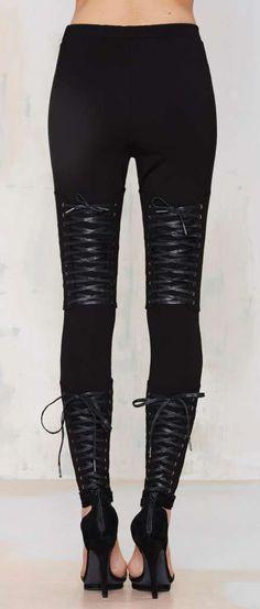 Tie's the Limit Knit Leggings ==