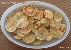 Xandra bakt brood: 'Home made' vetarme chips.