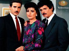 #Televisa Esta novela podrian volver a repetirla marco toda una hera corria del colegio para poder verla.