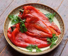 Salata de ardei copti intregi - Bucataria Romaneasca