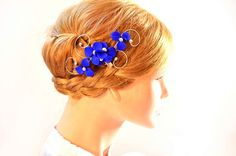 Royal blue headpiece  Elegant hair piece Royal blue fascinator Small fascinator Floral headpiece  Bridesmaid headpiece by MyArtDeco on Etsy https://www.etsy.com/dk-en/listing/461530760/royal-blue-headpiece-elegant-hair-piece