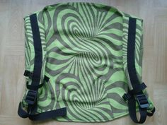 Bloomyloom Onbuhimo Choco-grass UHU Choco-grass swirls An Onbuhimo is a carrier without a waistbelt. These prototypes areconverted by a Hungarian SAHM and there might be some changes to the carrie…