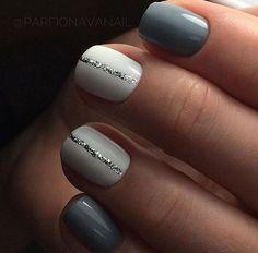 great nailart design for short nails: glitter stripe. easy great nailart design for short nails: glitter stripe. Simple Nail Art Designs, Short Nail Designs, Beautiful Nail Designs, Cute Nail Designs, Beginner Nail Designs, Shellac Designs, Winter Nails, Spring Nails, Nail Summer