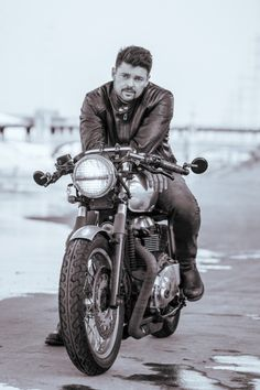 Karl Urban | Moves | Fashion & Lifestyle… Online