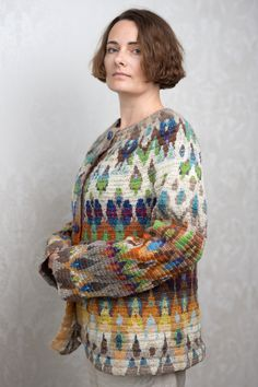 Not just any cardigan: a slight hyperventilation going on here, beacause this is SO beautiful!!!