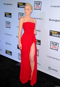 Amber Heard - How do you get skin that looks this flawless? Is it airbrushed makeup? Wow. Love the dress and haircolor