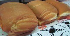 1 kg de trigo (+/-)  - 1 xícara de açúcar  - 1 colher de sal  - 1 colher não muito cheia de banha ou 1/4 de xícara de óleo de soja, ou 1 colher de margarina  - 2 copos de água morna  - 2 colheres de fermento biológico fresco ou 2 tabletes ou um envelope de fermento pra pão