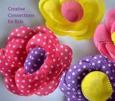 Cupcake Paper Flowers - Creative Connections for Kids Projects For Kids, Craft Projects, Crafts For Kids, Arts And Crafts, Preschool Crafts, Easter Crafts, Eve Bunting, Creative Connections, Paper Cupcake