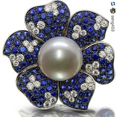 #Repost @seng453 with @repostapp. ・・・ Absolutely Gorgeous SouthSea White Pearl, Sapphire, & a Diamond Ring, Wow! #Seng #Picchiotti #lovelife