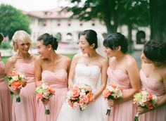 Un-posed #Bridesmaids | so much better! Photo:  Laura Ivanova