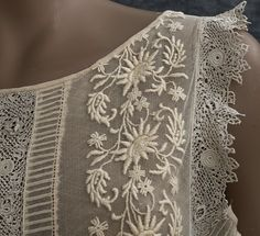 1920s Clothing at Vintage Textile:  Lace flapper dress: embroidered tulle & Irish crochet 1926