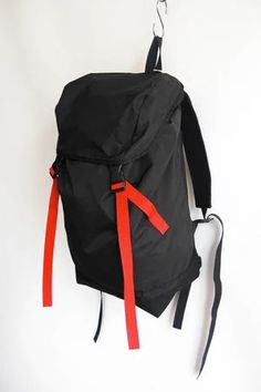 """Nylon Backpack (Color: Black×Red)"" https://sumally.com/p/1431357"