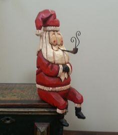 sitting-santa-primitive-folk-art