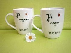 Dein Hochzeitsgeschenk JA sagerund JA sagerin ♥ Tasse mit Name ♥ Tasse mit Spruch ♥ Hochzeitgeschenk Tassen ♥  _*Hoch Die Tassen*_  ★ Zwei Liebevoll von Hand beschriftete Tassen zur Hochzeit...