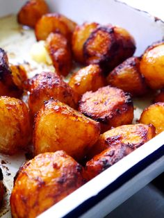 🖤 Marmite Roast Potatoes 🖤 recipe now live, direct link in bio. A million thank yous to for this gift of an idea. Vegetarian Roast, Vegetarian Recipes Easy, Cooking Recipes, Vegan Meals, Vegan Food, Food Food, Pastry Recipes, Thai Recipes, Cooking Ideas