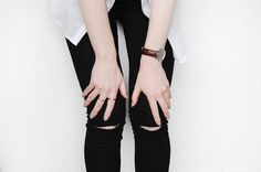 DIY Tutorial: DIY Clothes DIY Refashion / DIY Ripped Knee Jeans - Bead&Cord