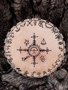 Shaman Drum with Deer hide Handcrafted by Magordrum on Vikings, Drum Tattoo, Lappland, Indigenous Art, Pictures To Paint, Native American Art, Larp, Occult, Rock Art