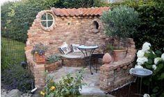 Ob es ein Zaun ersetzt, als Deko dient oder mehr Privatphäre mit den Nachbarn schafft – eine Mauer aus natürlichen Steinen sieht an sich wunderschön im Garten aus. Es gibt den Garten ein mediterrane und Ländliche Ausstrahlung. Auch mit einem kleinen Stück Mauer könntest du ein Teil des Gartens verschönen. Selbstverständlich sind nicht alle Mauer …