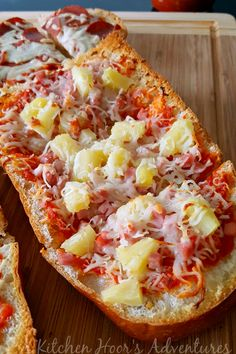 Sometimes, it's really interesting how your tastes in food can be passed down. I made this Genetic Hot Hawaiian French Bread Pizza with Mezzetta Pasta Sauces as an easy weeknight version of one of my husband and his father's favorite pizzas. Pizza Recipes, Easy Dinner Recipes, My Recipes, Cooking Recipes, Favorite Recipes, Bulk Cooking, Slider Recipes, Recipies, Pizza Hut