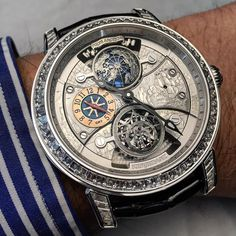 The POLVS ARTICUS by Kerbedanz is a piece unique which features a double tourbillon with gmt movement.
