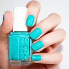March to the beat of your own drum in this sparkling turquoise with iridescent micro crystals. 'viva antigua!' from the essie Summer 2016 collection.