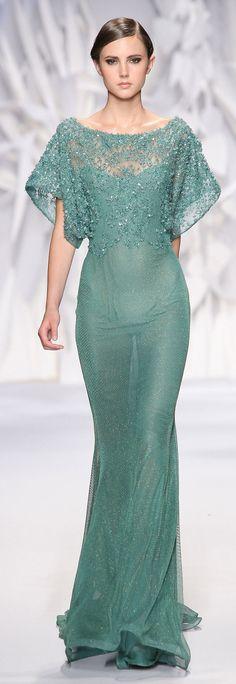 Hình ảnh từ http://www.fashiondivadesign.com/wp-content/uploads/2013/07/Abed-Mahfouz-Haute-Couture-Fall-Winter-2013-2014-11.jpg.