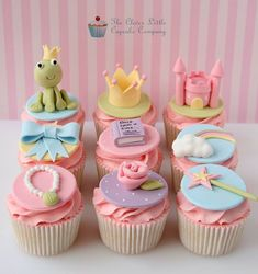 Beautiful Cake Pictures: Cute Princess & The Frog Cupcakes - Birthday Cupcakes, Colorful Cupcakes, Themed Cupcakes - Fondant Cupcakes, Bolo Fondant, Frog Cupcakes, Kid Cupcakes, Fondant Toppers, Themed Cupcakes, Birthday Cupcakes, Cupcake Cookies, Snowman Cupcakes