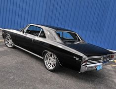 Chevrolet Chevelle SS looks so sweet with a classic black and chrome finish, spotted at (at New. Chevrolet Chevelle, Chevy Chevelle Ss, Chevrolet Malibu, Chevy Ss, Chevy Classic, Classic Trucks, Classic Cars, Old School Muscle Cars, Sweet Cars