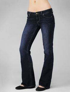 Paige laurel canyon petite jeans. The most flattering jeans for curvy girls!