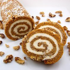 Looking for the best ever pumpkin roll recipe? This is a classic dessert that tastes amazing and is sure to be a hit at your house or party. Libby's Pumpkin, Pumpkin Dessert, Pumpkin Recipes, Fall Recipes, Holiday Recipes, Cheese Pumpkin, Pumpkin Puree, Pumpkin Pudding, Spiced Pumpkin