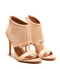 @Salvatore Ferragamo sandals #eleganzais