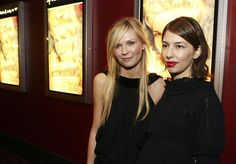 Actress Kirsten Dunst (L) and writer/director Sofia Coppola arrive at a special screening of Columbia Picture's 'Marie Antoinette' hosted by Chanel at the Arclight Theater on September 26, 2006 in Los Angeles, California.