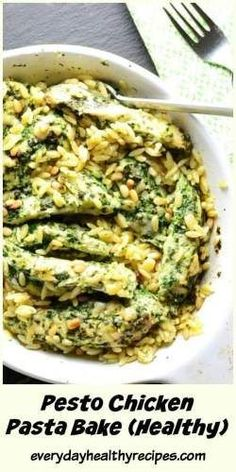 This low in fat, one-pot quick and Easy Pesto Chicken Pasta Bake is filled with delicious Mediterranean flavours everyone loves. This rich tasting dish is incredibly easy to put together and perfect for sharing with friends and family. Healthy Pasta Bake, Healthy Casserole Recipes, Healthy Recipes, Healthy Food, Vegan Pasta, Healthy Dinners, Healthy Habits, Baked Pesto Chicken, Chicken Pasta Bake