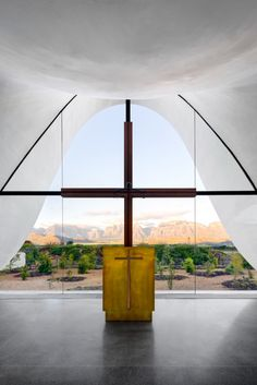 Sacred Architecture, Religious Architecture, Church Architecture, Amazing Architecture, Contemporary Architecture, Architecture Design, Glass Structure, Concrete Structure, Monuments
