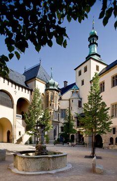 Vlašský dvůr / Italian Court, Kutná Hora, Czech Republic Beautiful Architecture, Beautiful Landscapes, Prague, Excursion, Europe Photos, Beautiful Places To Travel, City Buildings, Eastern Europe, Holiday Travel