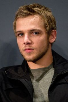 max thieriot!! I think he's so sexy ! From bates motel! :)