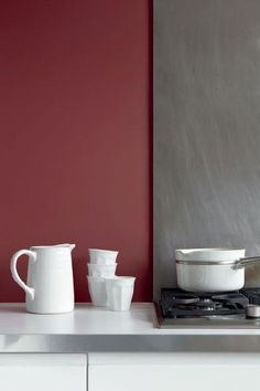 Pantone Marsala inspired wall and concrete backsplash behind stove top. Pantone 2015, Pantone Color, Marsala Pantone, Pantone Red, Ikea Cupboards, White Cupboards, Kitchen Wall Colors, Kitchen Paint, Colours That Go With Grey