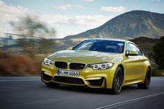 BMW M4 Coupe laps the Nordschleife in 7:52.