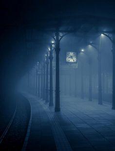 foggy station © Pawell