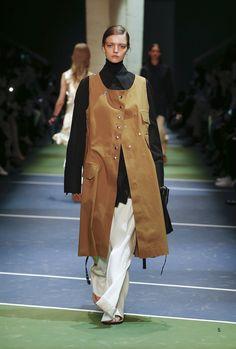 Céline Fall 2016 Ready-to-Wear Fashion Show - Anya Molochkova