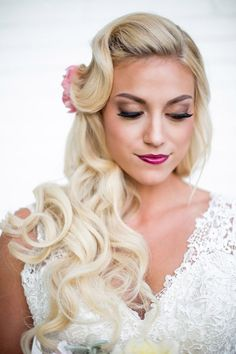 Women Hairstyles Indian Best Wedding Hairstyles : Wedding Hairstyles with Beautiful Details MODwedding.Women Hairstyles Indian Best Wedding Hairstyles : Wedding Hairstyles with Beautiful Details MODwedding Elegant Wedding Hair, Vintage Wedding Hair, Wedding Hair Down, Wedding Hair Flowers, Wedding Updo, Trendy Wedding, Dream Wedding, Wedding Dresses, Homecoming Hairstyles