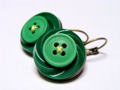 Retro Jewelry, Green Vintage Button Earrings by ChatterBlossom