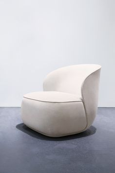 LA PIPE LOUNGE CHAIR by FRIENDS & FOUNDERS LA PIPE is the result of Designer Ida Linea Hildebrand's passion for refined forms and strong silhouettes combined with Friends & Founders' knowledge about modern production with strong focus on hand craftsmanship and detailing.