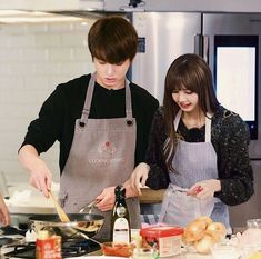 Liskook Lisa and jungkook BTS Blackpink couple Jungkook And Lisa, Bts Jungkook, Kpop Couples, Cute Couples, Bts Girlfriends, Lisa Blackpink Wallpaper, Blackpink And Bts, Blackpink Photos, Korean Couple