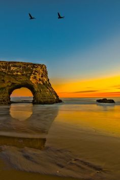 Rock bridge at the Natural Bridges beach in Santa Cruz, California