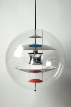 Globe lamp - Designed by Verner Panton for Louis Poulsen, Denmark, - Plexi glass and lacquered steel Interior Lighting, Modern Lighting, Lighting Design, Lighting Ideas, Globe Ceiling Light, Lamp Light, Luminaire Design, Lamp Design, Nordic Design