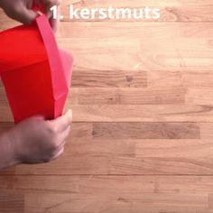 3 toffe manieren om servetten te plooien voor je kersttafel   Radio 2, de grootste familie Hardwood Floors, Flooring, Om, Texture, Crafts, Wood Floor Tiles, Surface Finish, Wood Flooring, Manualidades
