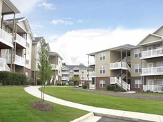 Residential Renting Around The Wilmington Nc Area Reserve At Forest Hills Apartments In Wilmington North