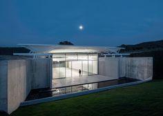 Fotos im Weinberg - Renzo Pianos Pavillon beim Château La Coste